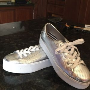 BETSEY JOHNSON SILVER LEATHER TENNIS SHOES-11 M